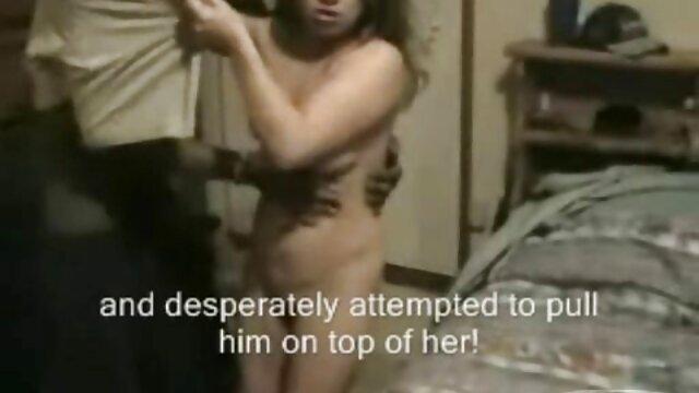 सुनहरे बाल वाली, खूबसूरत, लंबे समय गुदा कौमार्य खोना चाहता है, लेकिन उसके सहपाठियों इस के लिए उपयुक्त सेक्स करते हुए हिंदी मूवी नहीं हैं, और वह एक मुर्गा द्वारा अनुभव, उसे पिछवाड़े में उसकी मालकिन है जो एक आदमी को मिला